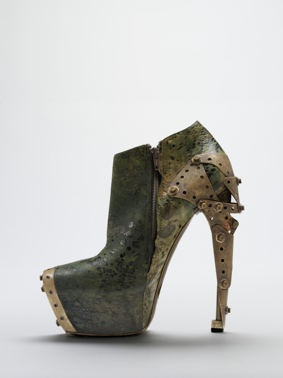 Image of Alternative view: The 'Titanic' shoe